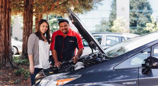 Photo of YourMechanic customer and mechanic