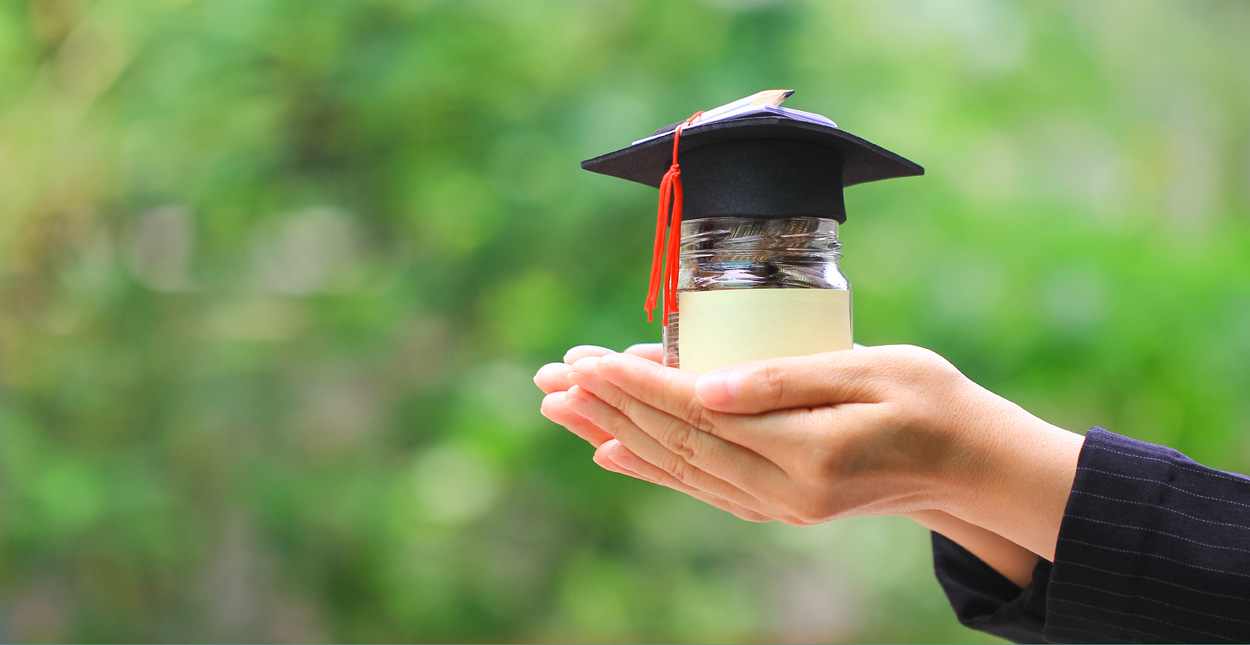 12 Loans for Graduates with Bad Credit