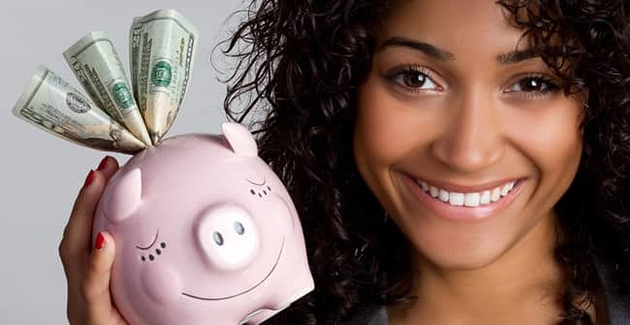 Women Tend to Manage Debt Better Than Men, Study Shows
