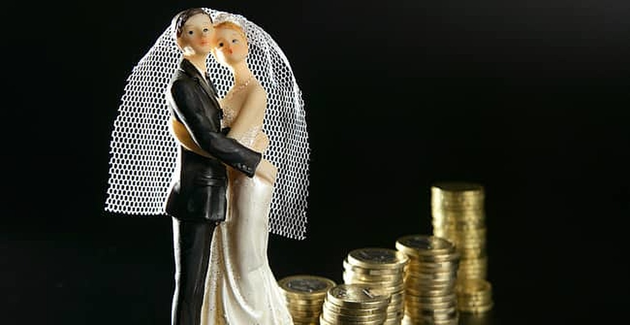 Merged Finances Linked to Stronger Relationships