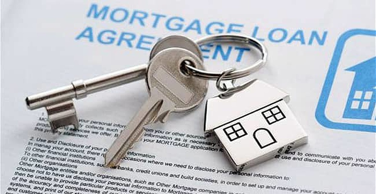 The Difference Between Adjustable and Fixed Rate Mortgages