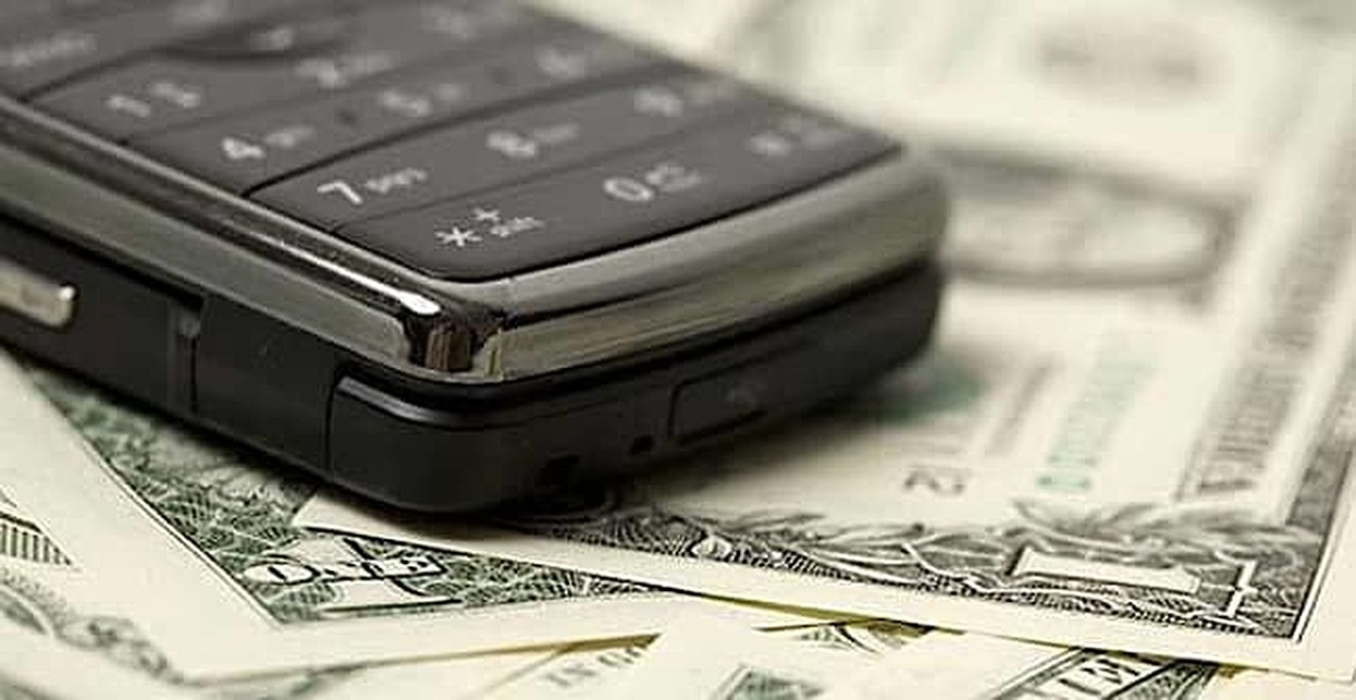How Does Your Cell Phone Affect Your Credit?