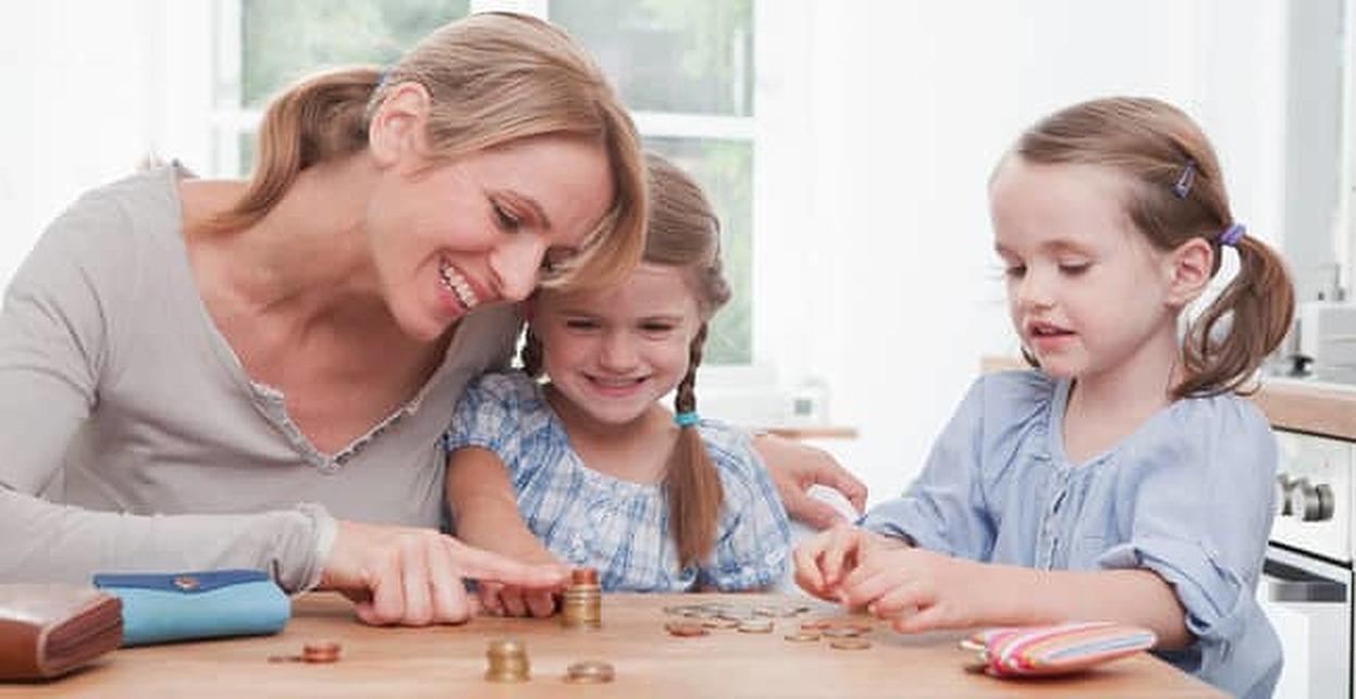 10 Best Finance Blogs for Moms